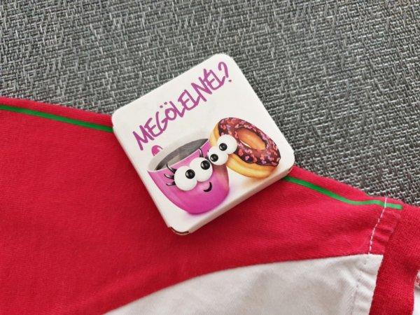 rózsaszín kanapé meleg társkereső